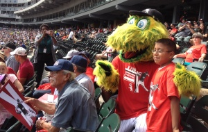 Southpaw & Fan in K-Zone